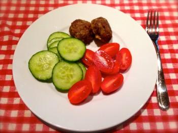 Meatballs and veggies